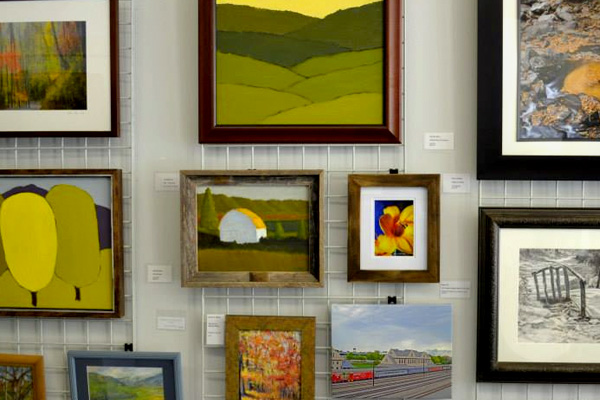Picture of paintings in a gallery